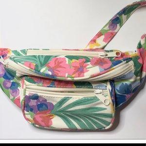 Handbags - Floral lots of zippers